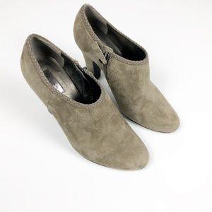 Women's Tahari Rosalee 6 Taupe Gray Suede Booties